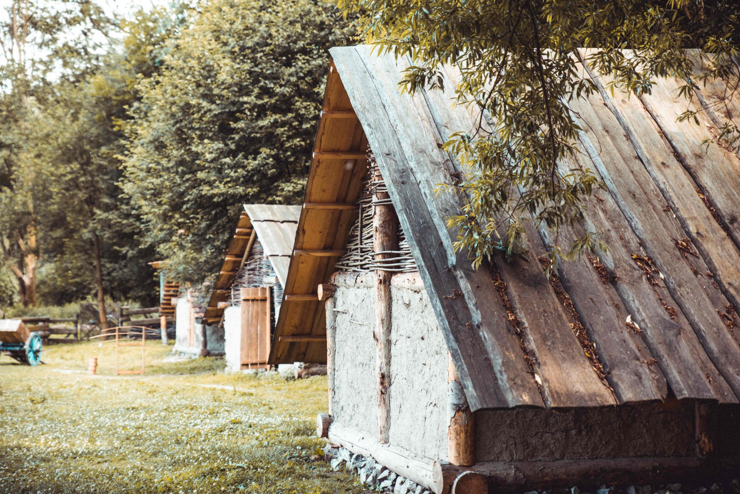 domceky v stredovekej dedine