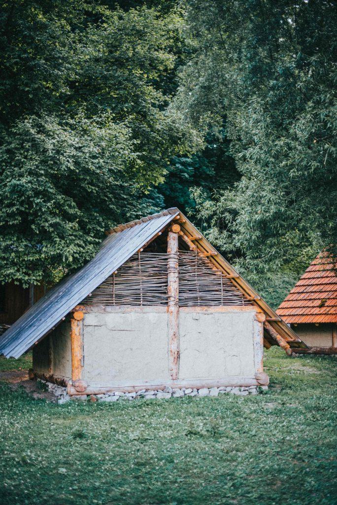 dom stredoveky